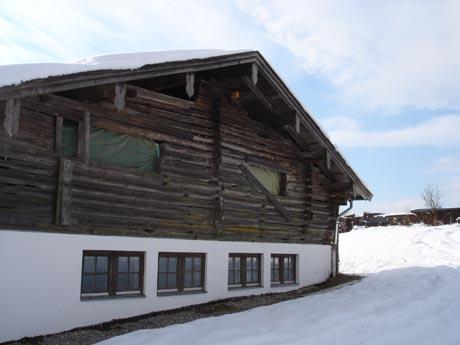 Österreich: Bergütte im Schnee