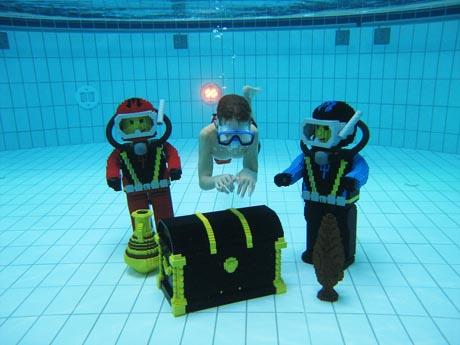 Testphase: Die Modelle werden in einem Salzwasserbecken getestet / Bild (c) by Legoland Deutschland