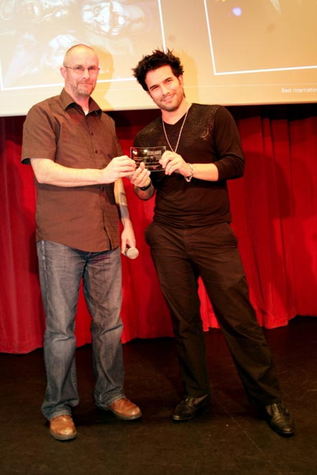 Mark Terenzi nimmt den Screamie Award in Empfang / Bild (c) by Europa-Park