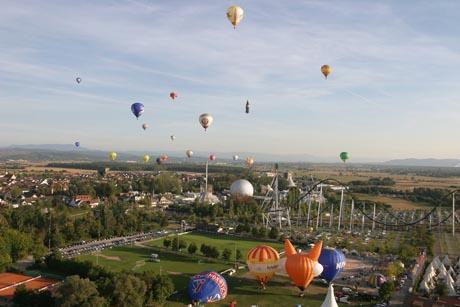 Ballone über dem Europa-Park / (c) by Europa-Park