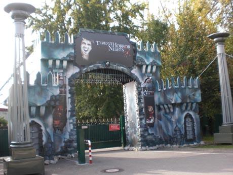 Der Eingang zu den TERENZI HORROR NIGHTS im Europa-Park.