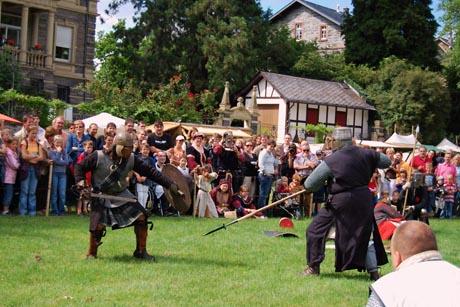 Die Ritter kommen! / Foto: djd/Wein- und Ferienregion Bernkastel-Kues