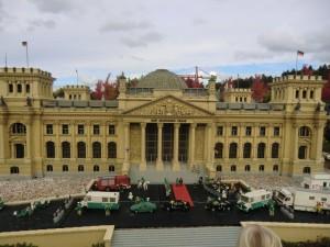 Der Deutsche Reichstag Berlin im Miniland vom Legoland Deutschland.