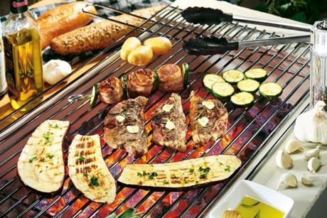 Richtig mariniert schmeckt ein Steak gleich noch mal so gut. Foto: djd/proFagus