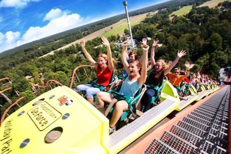 Einmalige Freizeit-Abenteuer für alle Altersklassen im Holiday Park. Im Bild: Expedition GeForce. Bild: Holiday Park