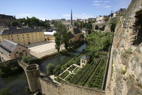 Ein Besuch der mittelalterlichen Festungsanlage der Stadt Luxemburg gehört zu jedem Besuchsprogramm dazu. Foto: djd/LCTO