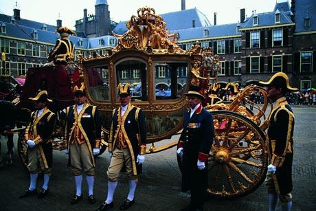 """Die Kutsche der Königin der Niederlande, mit der sie am """"Prinsjesdag"""" chauffiert wird. Bild: Niederländisches Büro für Tourismus & Convention"""