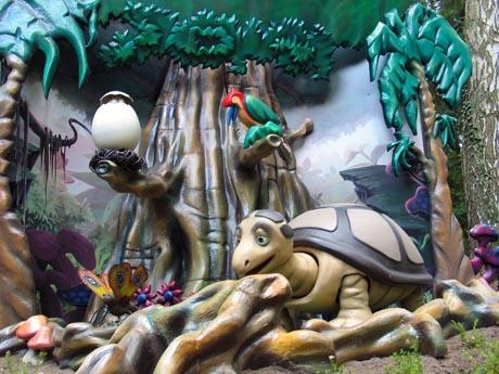 Der kleine Drache startet durch: Tabaluga nimmt die Besucher mit auf eine abenteuerliche Reise durch Grünland. Foto: Holiday Park