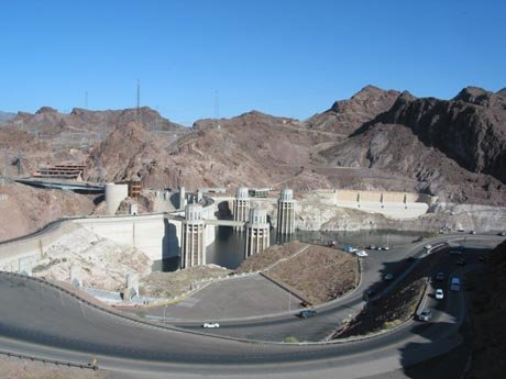 Der Hoover Damm am Lake Mead in Nevada.