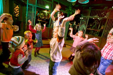 Spaß und Action in der Kid's Disco. Bild: Center Parcs