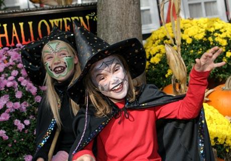 Herbstliches Halloween-Vergnügen für große und kleine Hexen. Foto: Holiday Park