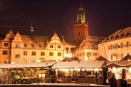 Veranstaltungs mit Tradition: der große Darmstädter Weihnachtsmarkt. djd/Foto: Darmstadt Marketing, Rüdiger Dunker