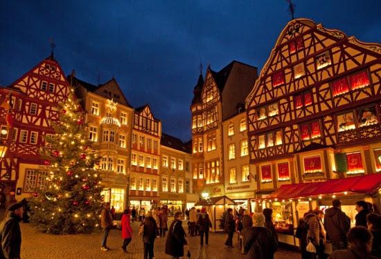 Weihnachtsmarkt Bernkastel-Kues - Bild: Grafenstein Freizeit- und Tourismuswerbung GmbH