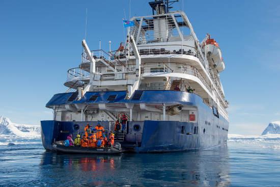 Die Sea Spirit: Landgänge mit bordeigenen Zodiacs - Bild: JOHN WILL Kommunikation / Poseidon Expeditions