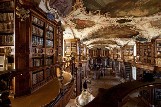 (c) Stiftsbibliothek St.Gallen