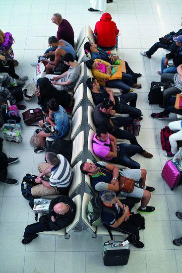 Warten am Flughafen: Bis zu 600 Euro Entschädigung bei Verspätungen. Foto: iStock/enviromantic/EUclaim/akz-o