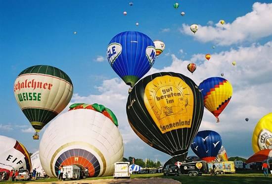Das Erste Papenburger Ballonfestival. Bild © 2016 Papenburg Marketing GmbH