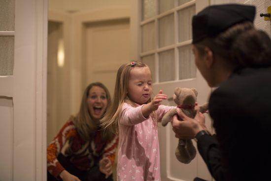 """""""Bear"""" kommt wohlbehalten bei Norah an. Bild: Air New Zealand"""