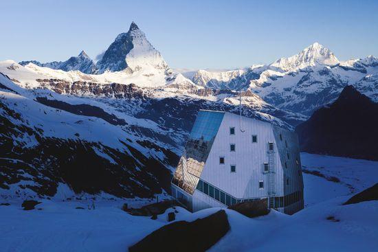 Monte-Rosa-Hütte - Bild © Schweiz Tourismus / Christof Sonderegger