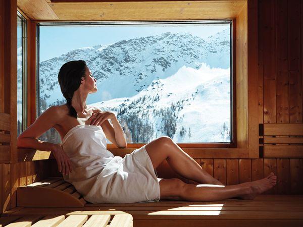 Wellness im Hotel Kulm in Arosa. Bild (c) Schweiz Tourismus / Christof Schuerpf
