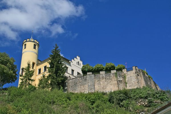Schloss Möhren ist im Besitz einer niederländischen Familie und beherbergt vier Ferienwohnungen. Foto: djd/Kur- und Touristinformation Treuchtlingen/monumentenfotograaf
