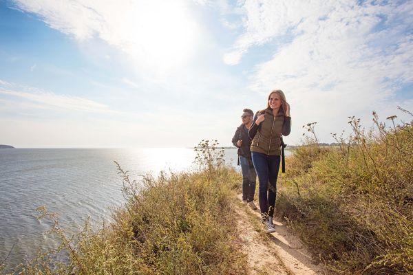 Vor allem für Aktivurlauber ist Mecklenburg-Vorpommern ein wahres Paradies - der Campingplatz ist der ideale Ausgangspunkt für ausgiebige Streifzüge in die Natur. Foto: djd/bvcd-mv.de