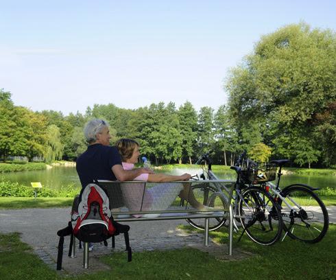 Der Naturpark Altmühltal lädt nicht nur zum Radfahren, sondern auch zum Pausieren und Entschleunigen ein. Bild: bfs / © Dirk Holst