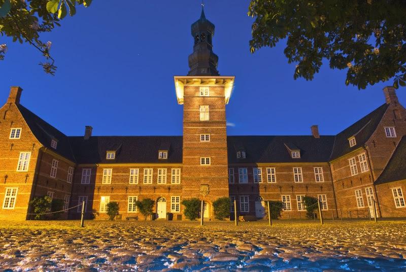 Schloss vor Husum bei Nacht - Bild (c) Foto Oliver Franke