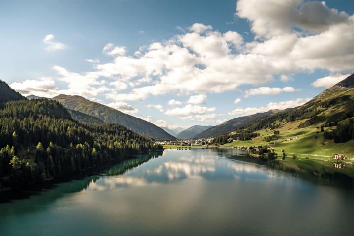 Davosersee in Graubünden. Copyright: Schweiz Tourismus
