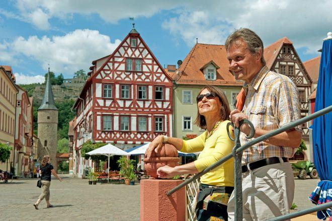 Für eine Entdeckungstour durch Karlstadt sollte man genügend Zeit einplanen. Foto: djd/TVF/Fränkisches Weinland/Andreas Hub