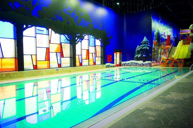 Aber auch normale Sportschwimmbecken soll es geben. Bild: plopsa