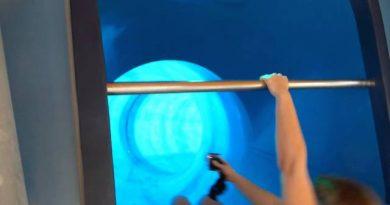 Galaxsea Jena - blaue Röhrenrutsche Onride