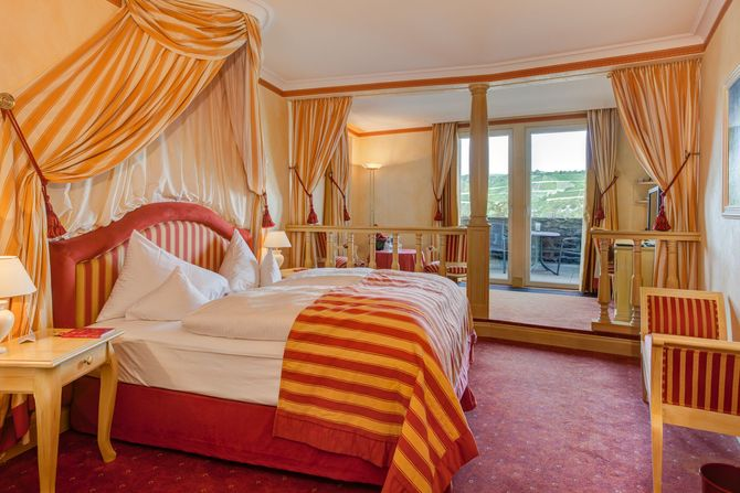 Die Junior Suite im Romantik Hotel Schloss Rheinfels - Bild: Kai Ohl
