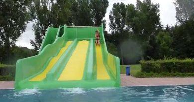 Sommerbad Fürth - Triple Slide Familienrutsche Onride