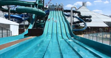 Aquapiste Outdoor Waveslide | Aquaboulevard Paris