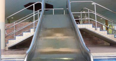 Breitrutsche :: Mini Water Slide | Felsland Badeparadies Dahn