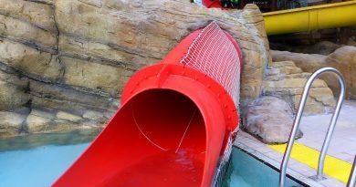 Fort Riptide (Red Slide) :: Children Slide   Sandcastle Waterpark Blackpool