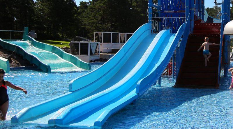 Mini-Breitrutsche :: Two-Lane Kids Slide | Dyreparken Badelandet Kristiansand