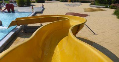 offene Freibad-Rutsche :: Outdoor water slide | Linus Lingen (Ems)