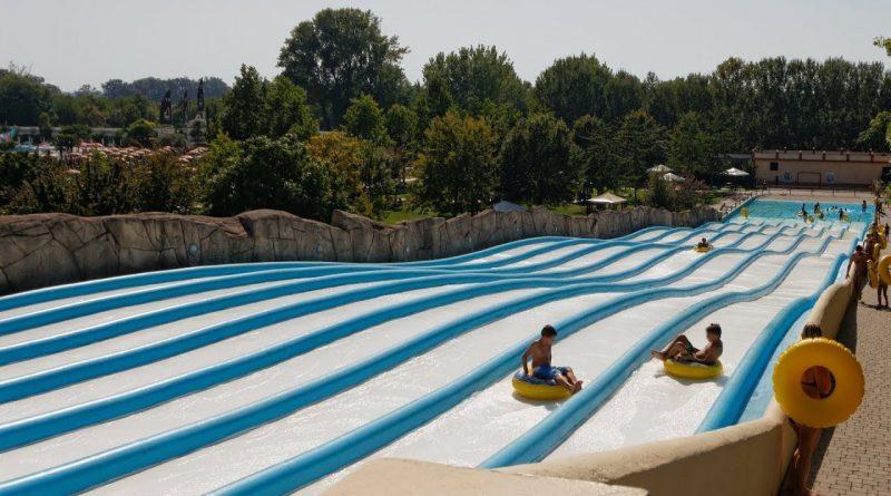Surfing Hill :: Multi Slide Reifenrutsche | Le Vele Acquapark San Gervasio Bresciano