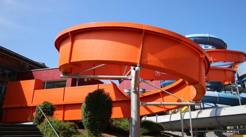 CrazySURFER - lange Steh-Rutsche / long Standing Slide | AquaMagis Plettenberg