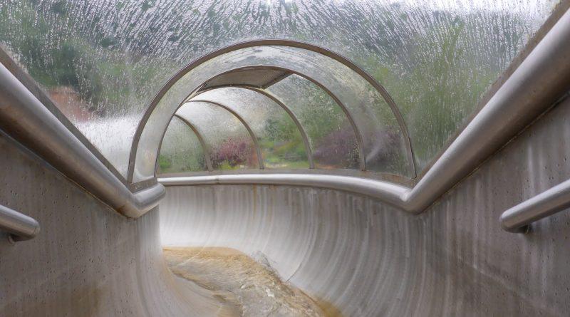 Edelstahl-Tunnelrutsche | Hallenbad Juramar Pottenstein