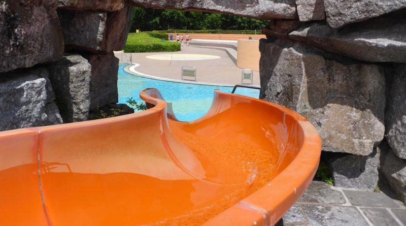 orangene Riesenrutsche | Badepark Wörth