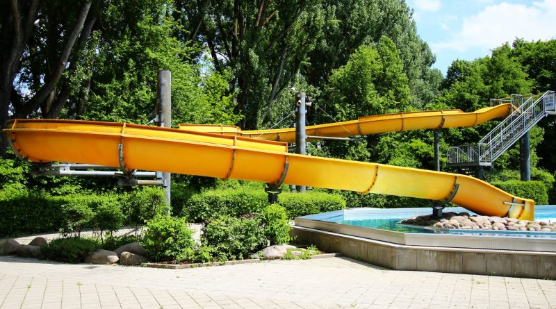 Wöhrdbad Regensburg - offene Riesenrutsche (Freibad) Onride