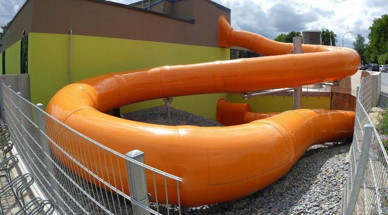 Black Hole :: orangene Röhrenrutsche | Geomaris Gerolzhofen
