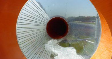 Black Hole Röhrenrutsche :: Riesenrutsche   De Baalje Aurich
