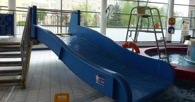 Breitrutsche :: blaue Beckenrutsche   Orka Park Wodny Bolesławiec