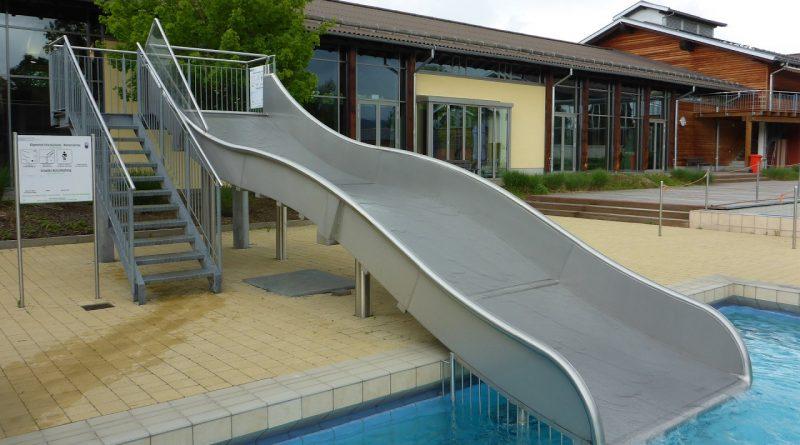 Freibad-Breitrutsche :: Wellenrutsche | Aqacur Bad Kötzting