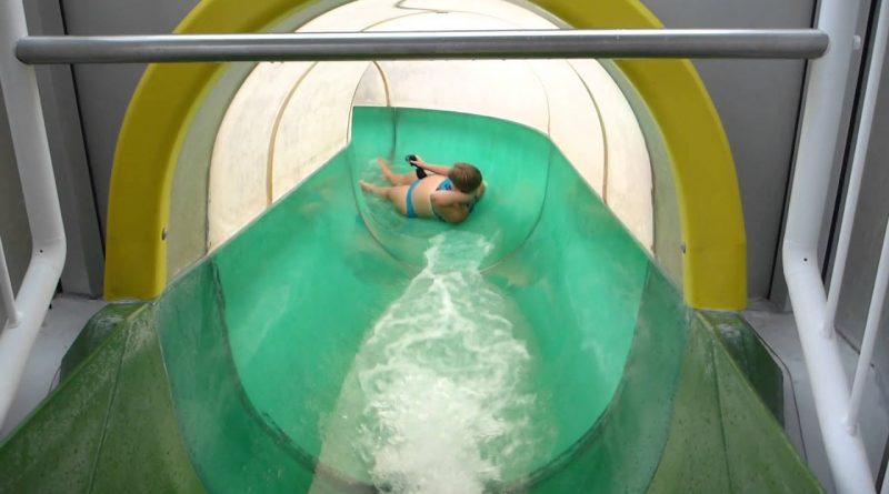 grüne Tunnelrutsche | Husum Bad Husum