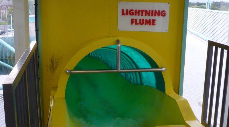 Lightning Flume :: gelbe Riesenrutsche   The Time Capsule Coatbridge